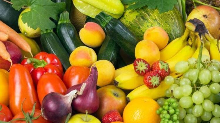 Renkli meyve ve sebzeler göz dostu