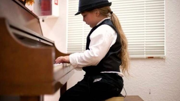Küçük piyanistin inanılmaz yeteneği