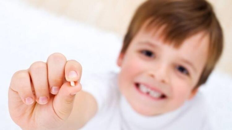 Düşen diş tekrar yerine konabilir