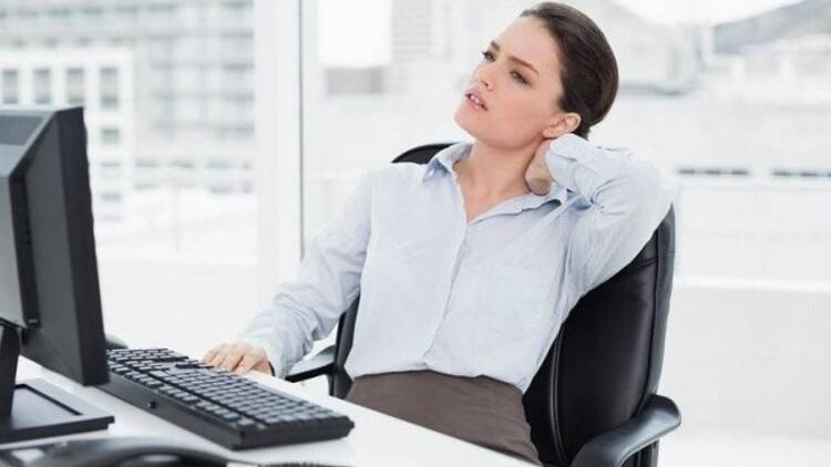Boynumuz neden ağrır?