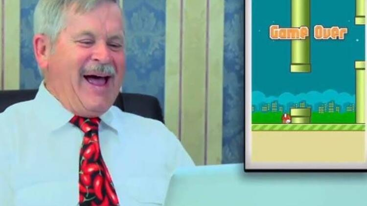 'Flappy Bird'  oynayan yaşlılar