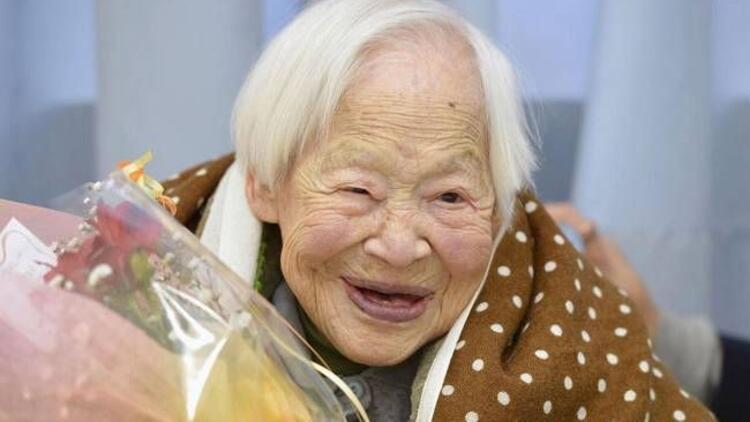 Dünyanın en yaşlı kadını uzun yaşamın sırrını verdi