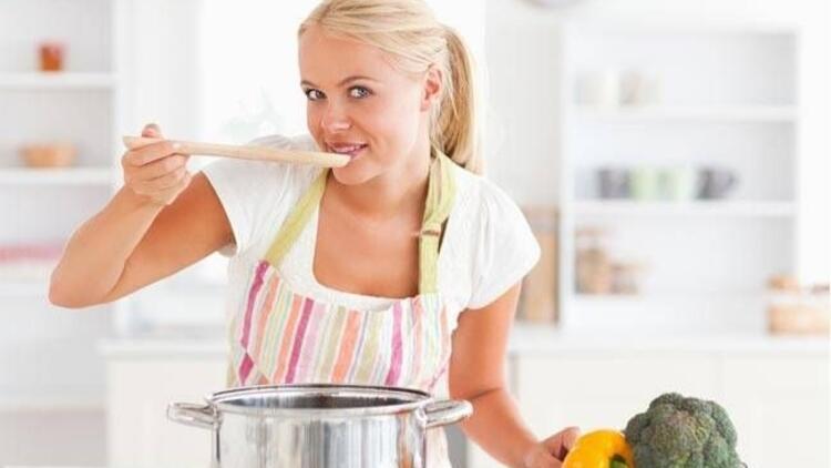 Ev hanımları bu 5 nedenden dolayı kilo alıyor