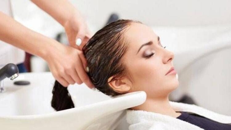 Sık yıkamak saça zarar veriyor