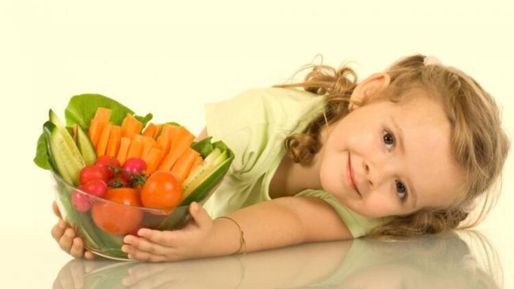 Vitaminden zengin meyve ve sebze tüketimi şart!