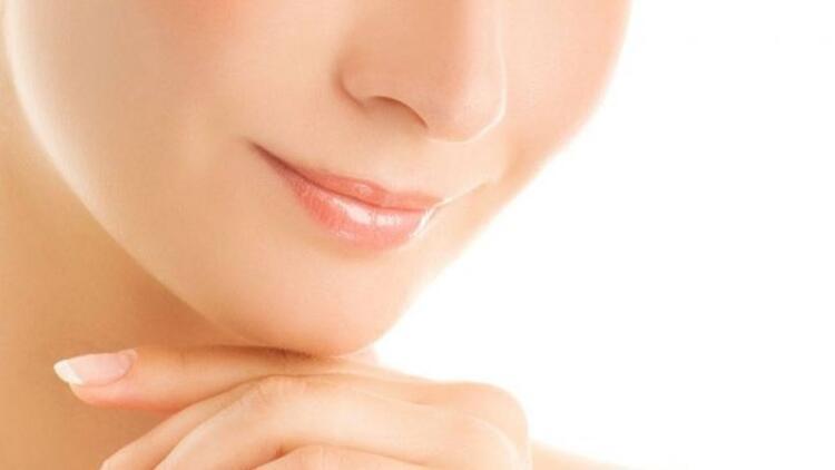Çatlayan dudaklar için B12 vitamini