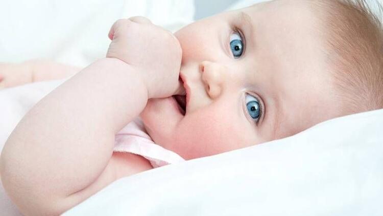 Bebekler parmak emmeyi ne zaman bırakır?