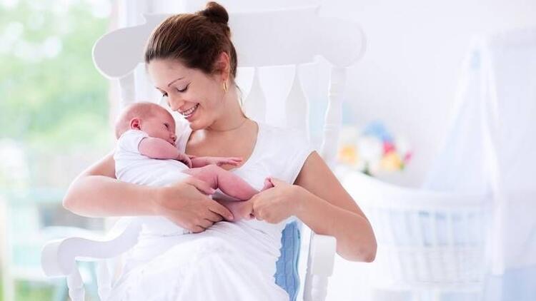 Meme küçültme yaptıran biri bebeğini emzirebilir mi?