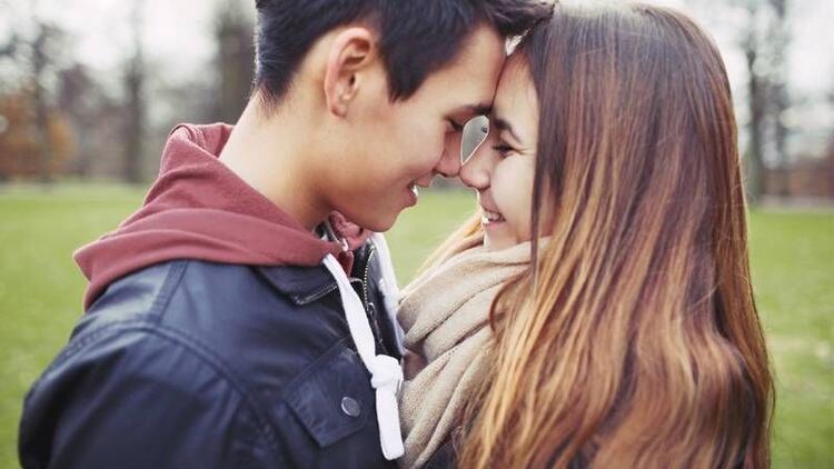 Ergenlik döneminde aşk