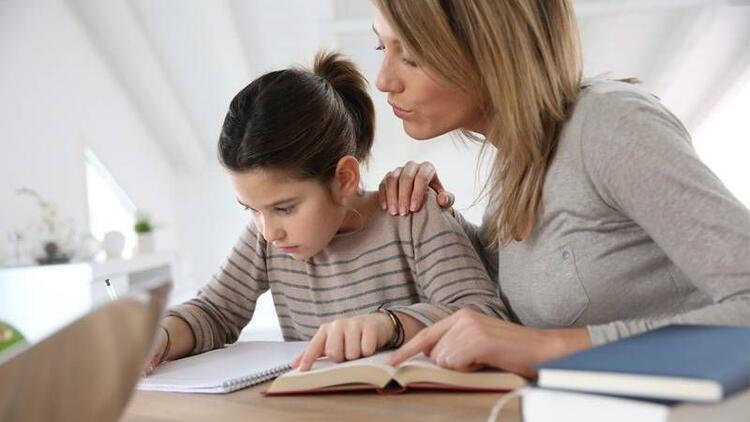 Çocuklara ödev konusunda ne kadar yardım edilmeli?