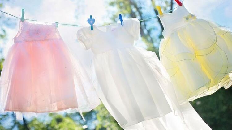 Mis gibi kokan çamaşırlar için ev yapımı yumuşatıcı!
