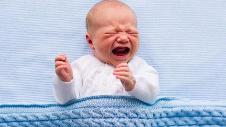 Bebeği devamlı ağlayan ebeveynlere tavsiyeler