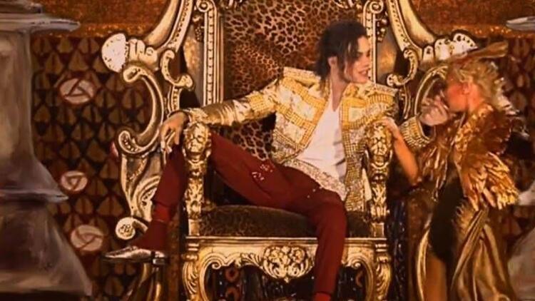 Micheal Jackson sahnelere geri döndü!