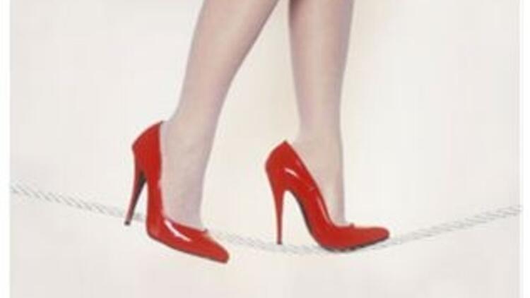 Yüksek topuklarla düzgün yürüme rehberi