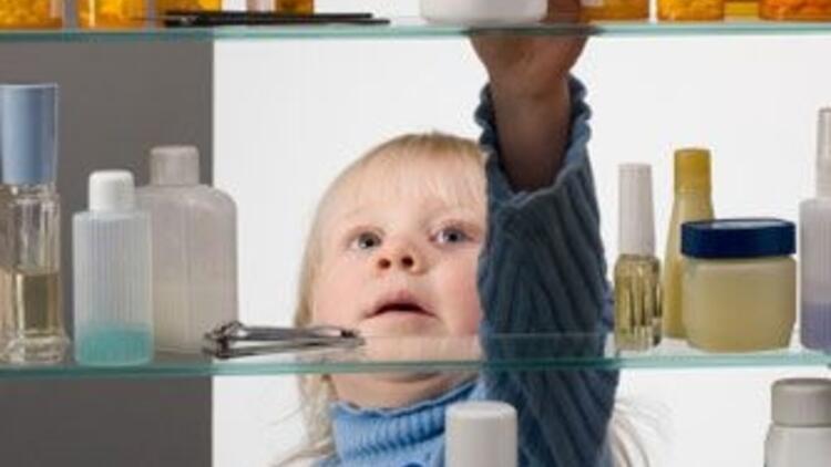Temizlik malzemelerini çocuğunuzdan uzak tutun!