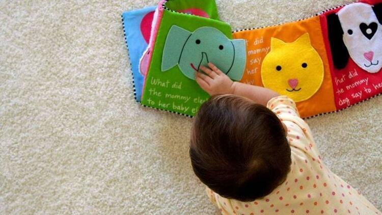 Bebeğin ilk kitabı nasıl olmalı?