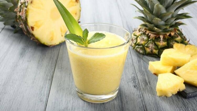 Ananas suyu cildi güzelleştiriyor