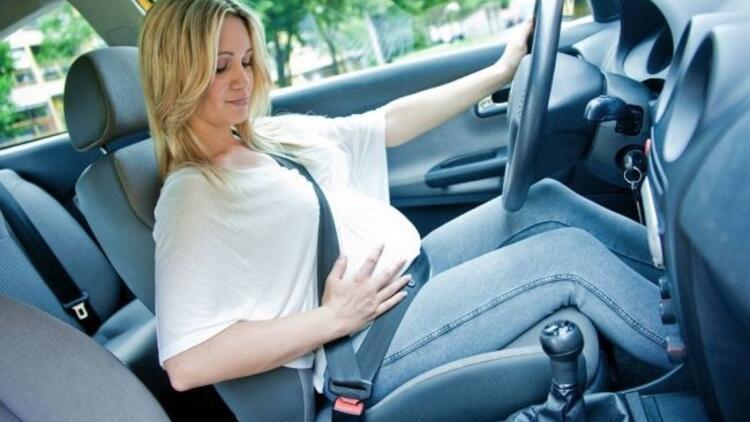 Hamileler emniyet kemerini nasıl takmalı?