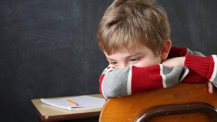 Okul fobisi yaşayan çocuklara nasıl davranmalı?