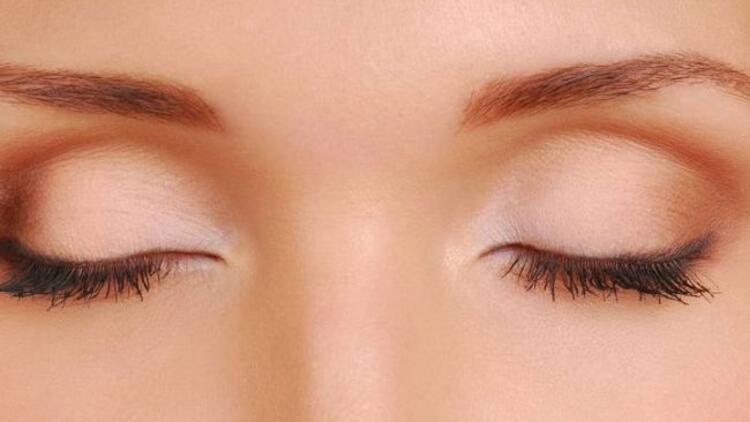 Göz kapakları neden şişer ve nasıl geçer?