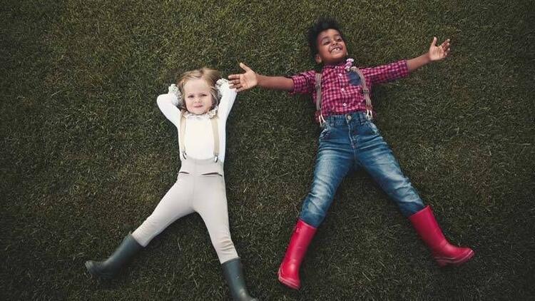 Çocuğunuz yağmurda IGOR'la renklensin