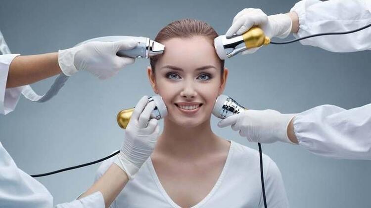 Cerrahi gerektirmeyen estetik ile gelen gençlik