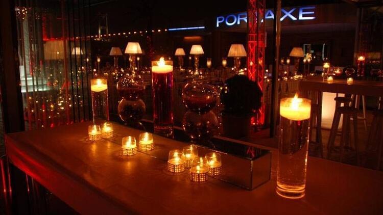 Sevgililer Günü'nde romantizm dolu bir gece