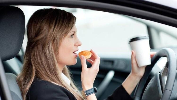 Yolculuk esnasında sağlıklı beslenme önerileri