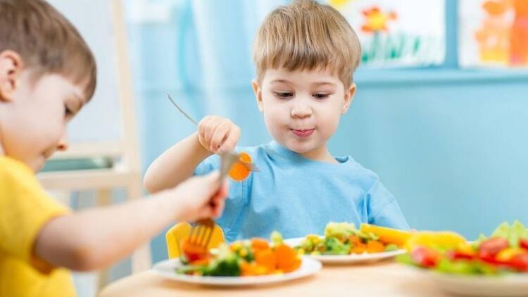 Onları hastalıklardan sağlıklı besinlerle koruyun