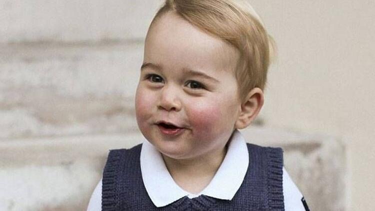 Prens George, noel için poz verdi
