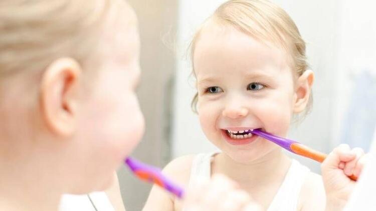 Çocuğunuza doğru fırçalama tekniğini gösterin!