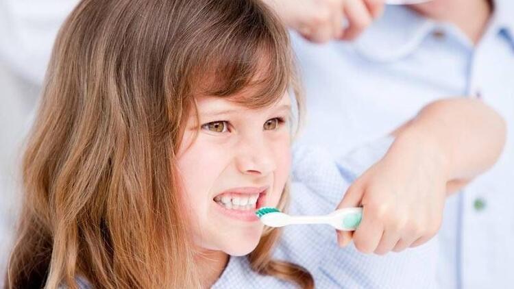 Diş fırçalama alışkanlığı nasıl kazandırılır?