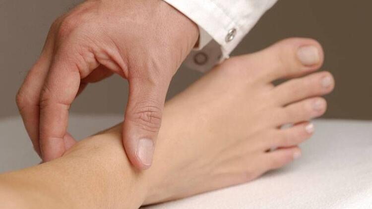 Topuk ağrınızın sebebi romatizma olabilir!