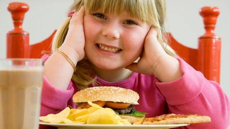 İşte, çocuklar için en zararlı 30 gıda!