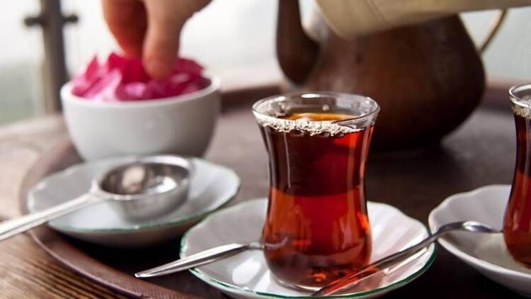 Yemeğin yanında çay veya kahve içmeyin!
