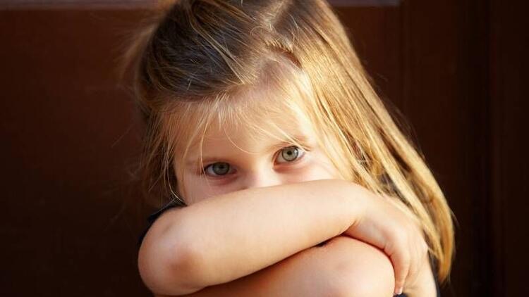 Çocuğunuz başkalarının yanında konuşmuyor mu?