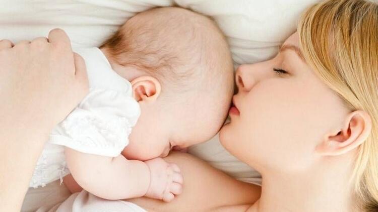 Bebekler için mucizevi besin anne sütü ve faydaları