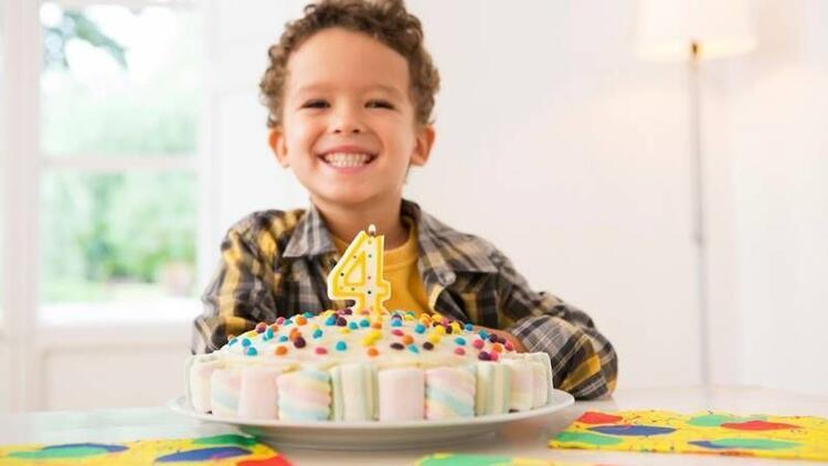 4 yaş için doğum günü pastaları