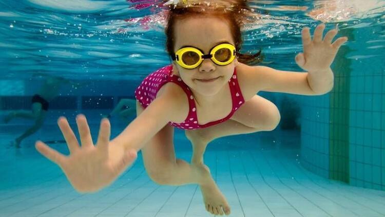 Çocuklara yüzme en kolay nasıl öğretilir?
