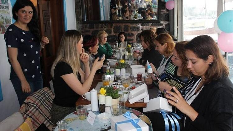 'Bepanthol Baby' blogger annelerle buluştu!