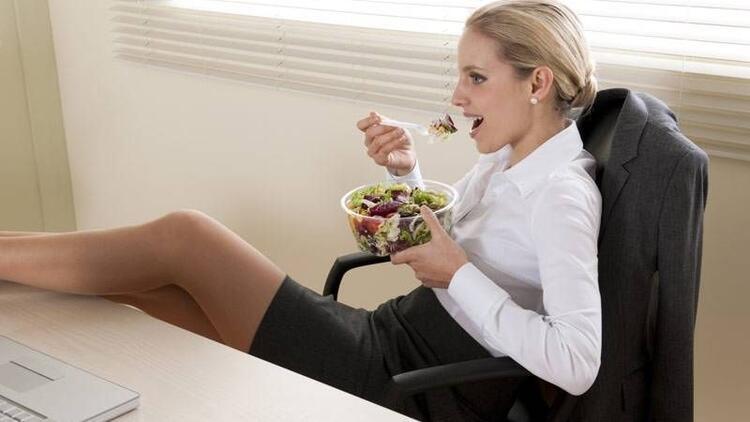 Ofiste sağlıklı beslenmenin püf noktaları...