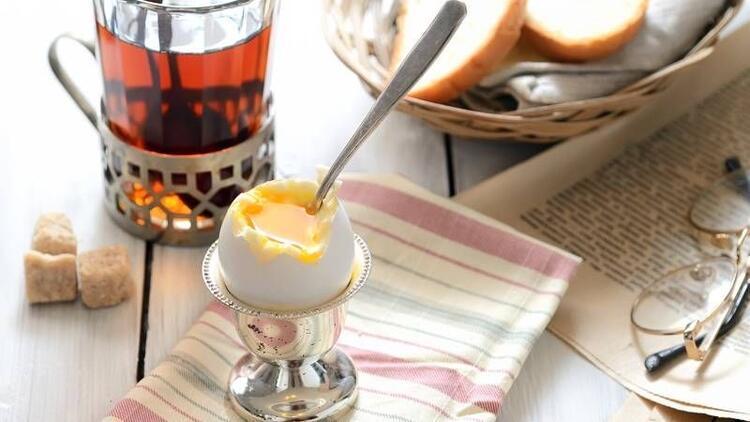 Kahvaltıda yumurtanın yanında çay içmeyin