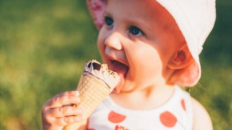 Sütü sevmeyen çocuklara dondurma yedirin