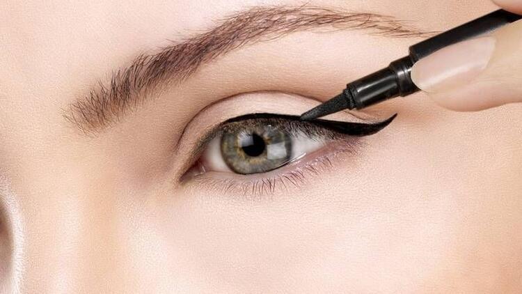 Göz sağlığı için doğru eyeliner kullanımının ipuçları
