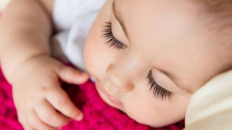 Bebeğin uykusu öğrenme süresini etkiliyor