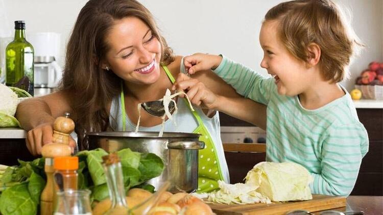 Çocuklarda yeni yemekler denemenin püf noktaları
