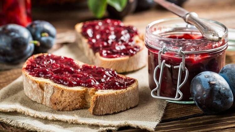 Kahvaltıda ağzınızı tatlandıracak 10 ev yapımı reçel