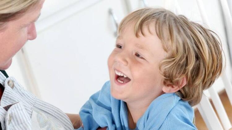Çocuğu tatlı dille disipline etmenin 8 yöntemi