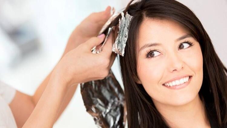 Gebelikte saç boyası ve kozmetik ürünlere dikkat!
