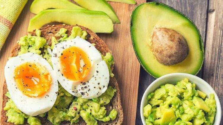 Yumurta ve avokado ikilisi karın yağlarını yakıyor